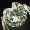 ダイヤモンドは割れないはウソ!?